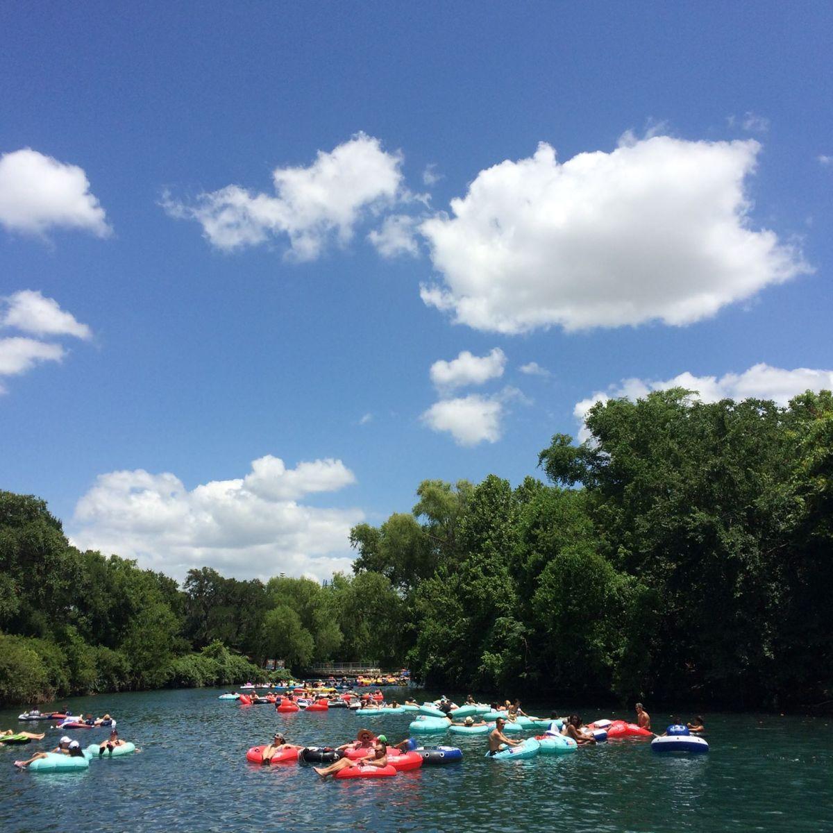 best texas getaways for summer, new braunfels tubing