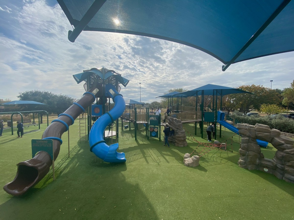 playground at mary heads carter park in carrollton | best playgrounds