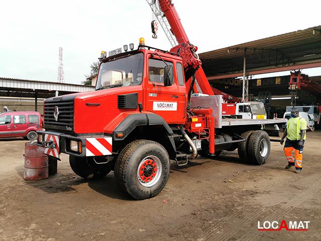Camion renault C260 avec grue palfinger 15 Tonnes Lomé Togo Ouest Afrique