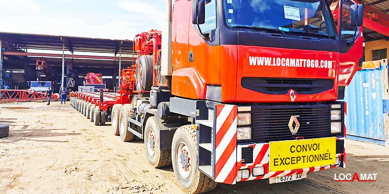 camion-tracteur-de-transport-exceptionnel-à-Lomé-port-Togo-Ouest-Afrique