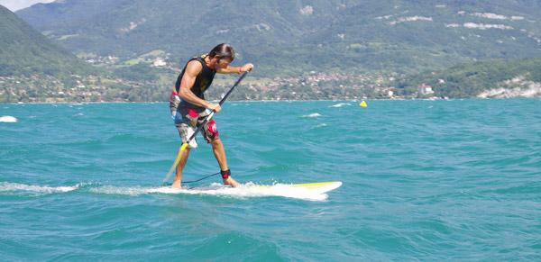 surf sur le lac d'Annecy