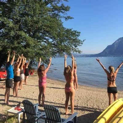 yoga sur la plage du NCY SUP