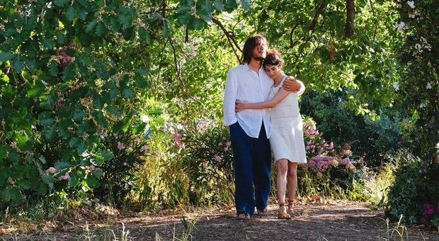 Luca Marinelli e Linda Caridi nel Film Ricordi? 2018