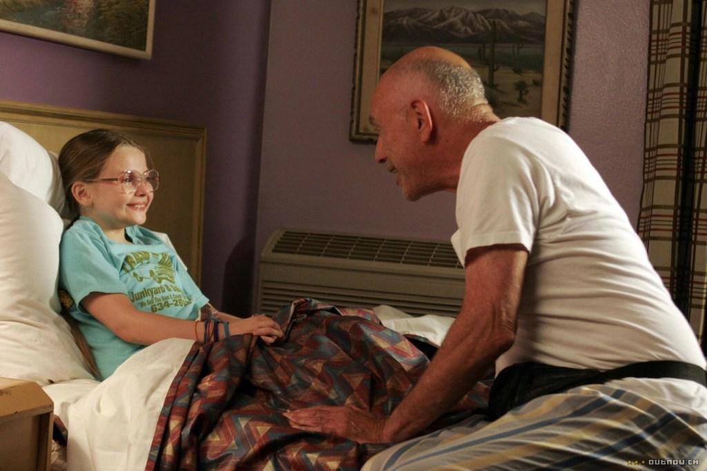 Alan Arkin and Abigail Breslin in Little Miss Sunshine (2006) recensione film
