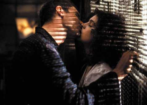 Harrison Ford e Sean Young in Blade Runner