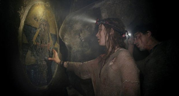 Perdita Weeks e Ben Feldman in Necropolis - La Città dei Morti