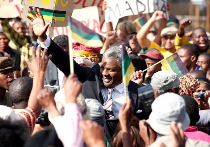 Idris Elba in Mandela: La lunga strada verso la libertà (2013)