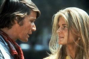 Peters Strauss e Candice Bergen in Soldato blu (1970)