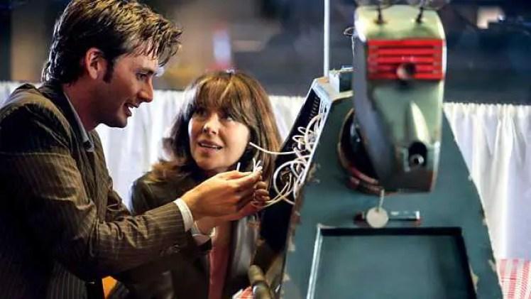 Il Dottore (David Tennant) e Sarah Jane Smith (Elisabeth Sladen) - Doctor Who