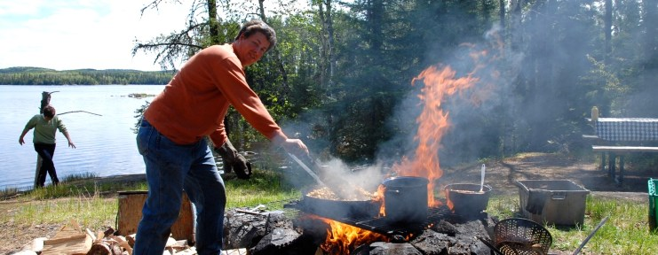 Shore Lunch - Loch Island Lodge and Camp Lochalsh - Ontario Fishing
