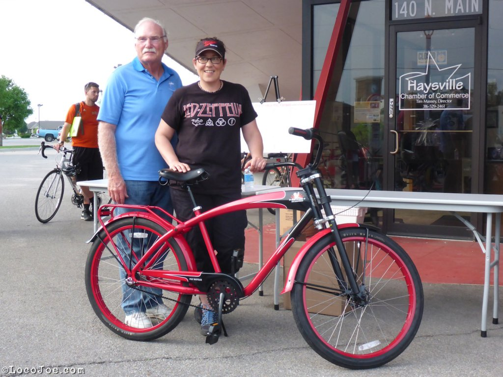 The Mayor and the winner of the bike.