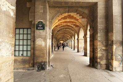 Symmetry of the arcade