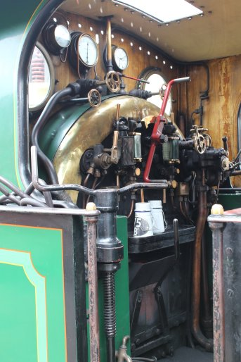 2015 - Bluebell Railway - Sheffield Park - South Eastern and Chatham Railway H class 263 cab