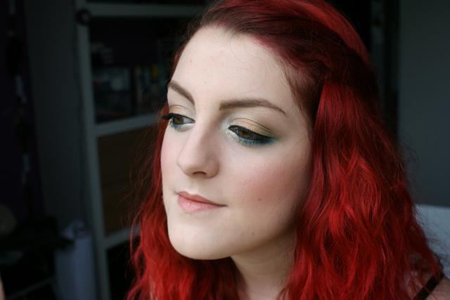 Maquillage du jour : Quand les couleurs chaudes complimentent les couleurs froides !