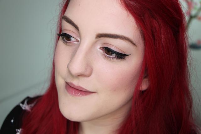 Tutoriel : tracer un trait d'eyeliner parfait !