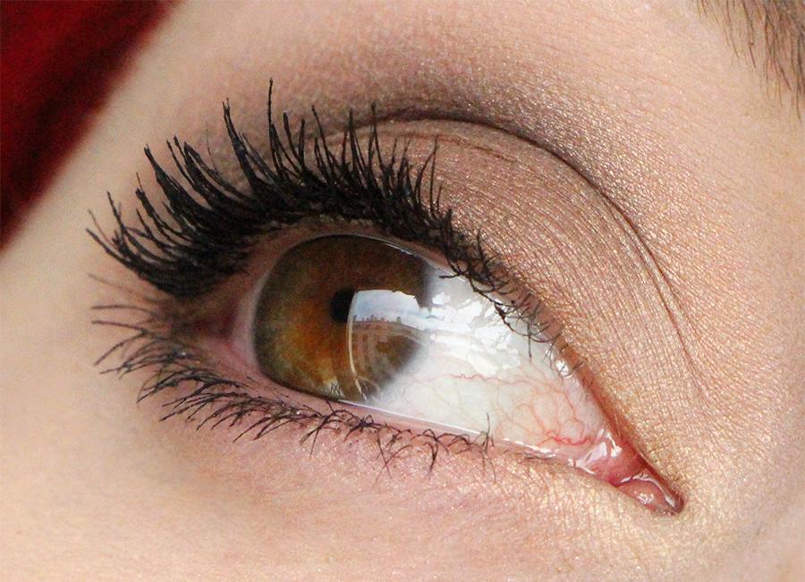 lash domination eye1