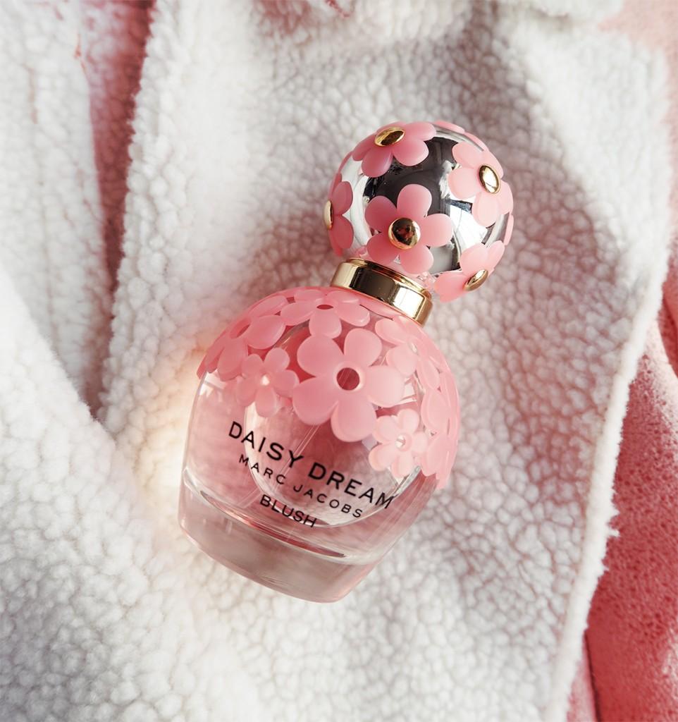 daisy dream blush bottle