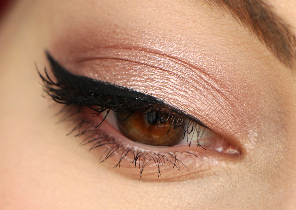 clarins eye rose