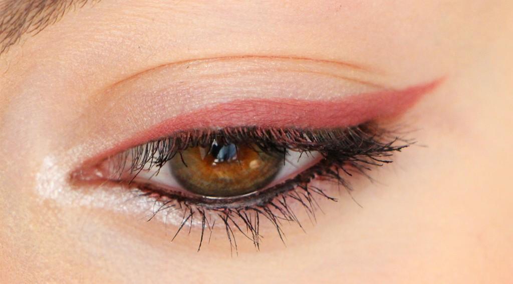 zoeva eye