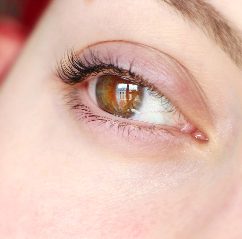 nyx eye 1