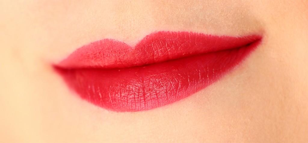 sinner red lipstick queen