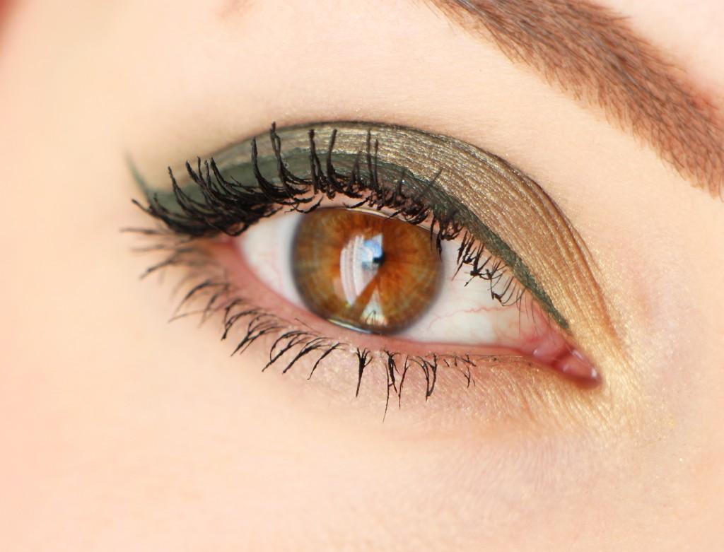 paul-and-joe-eye2