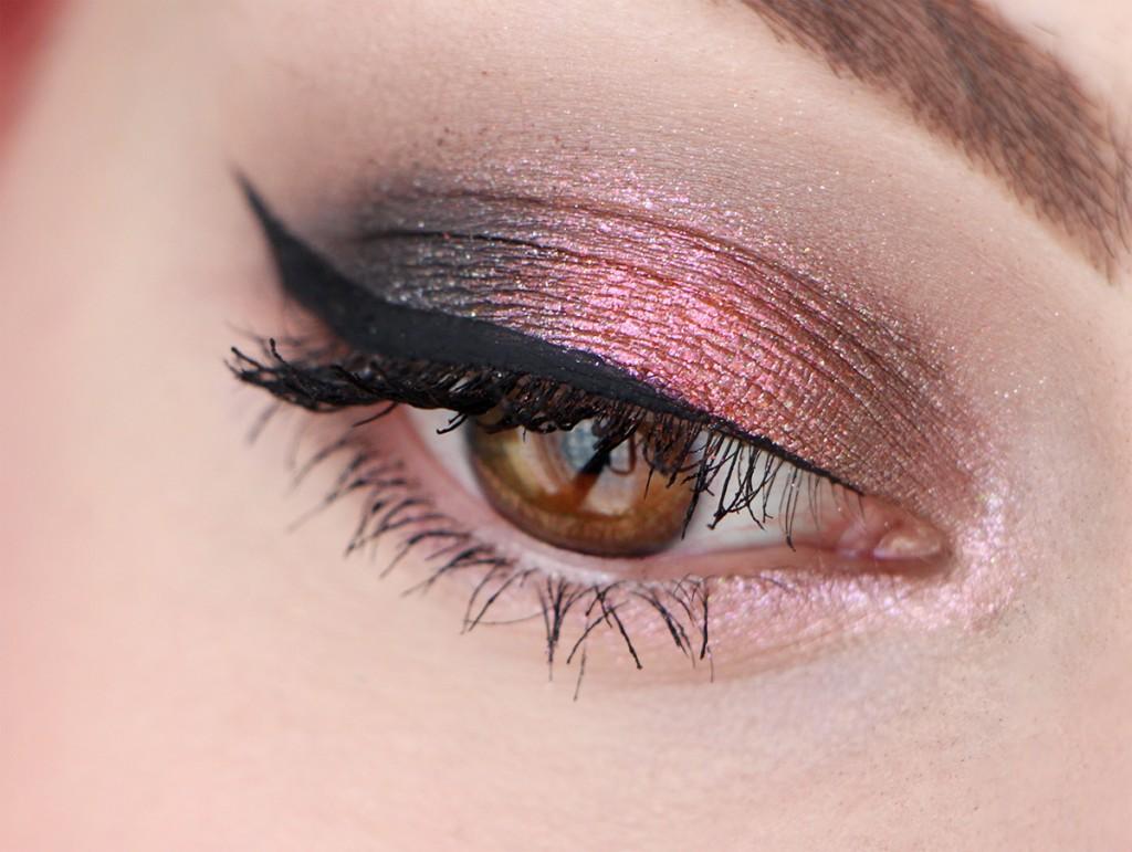 urban-decay-eye-moondust-makeup