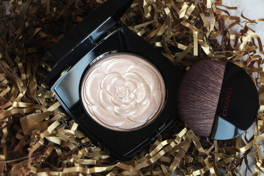 chanel-camelia-highlighter-2016-open-revue-review-swatch