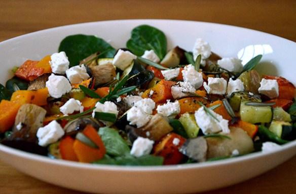 Feldsalat mit Ofengemüse