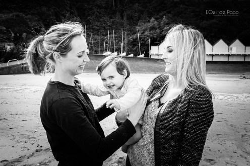 Un Œil sur votre famille – Charlotte et sa soeur avec et Milla