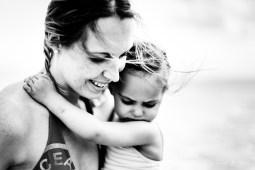 Un Oeil sur vous et votre famille - Une famille à la plage - Etables-Sur-Mer