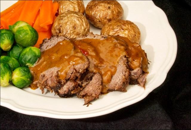 Surret steik til venstre - mørbrad til høyre.
