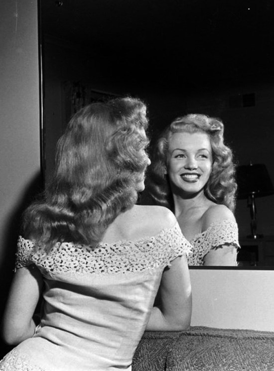 http://sala66.tumblr.com/post/140277530043/marilyn-monroe-1949