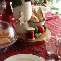 Como decorar tu mesa navideña con cuadros escoceses