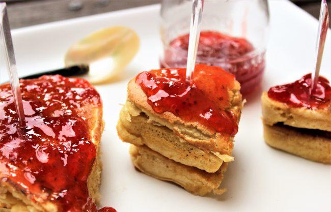 Pancakes en forma de corazón por San Valentín.