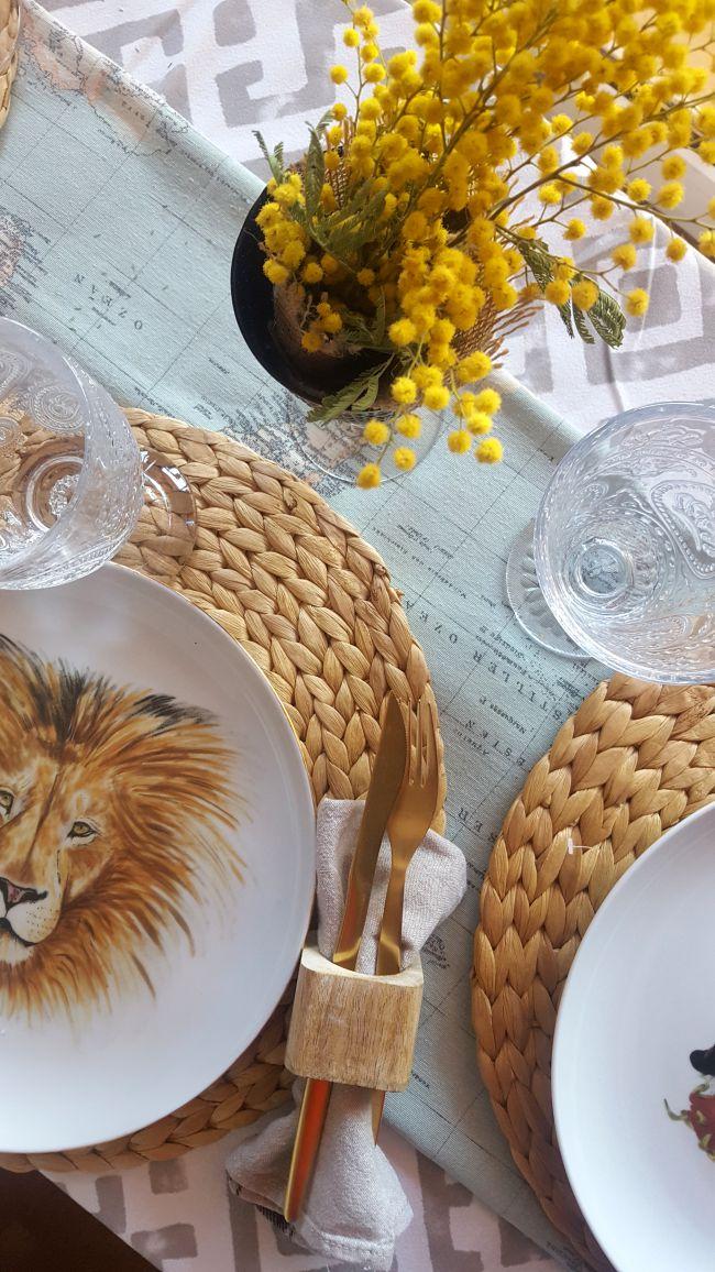 Una bonita mesa salvaje y aventurera