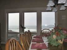 6 Moonbeams Dining Table with View