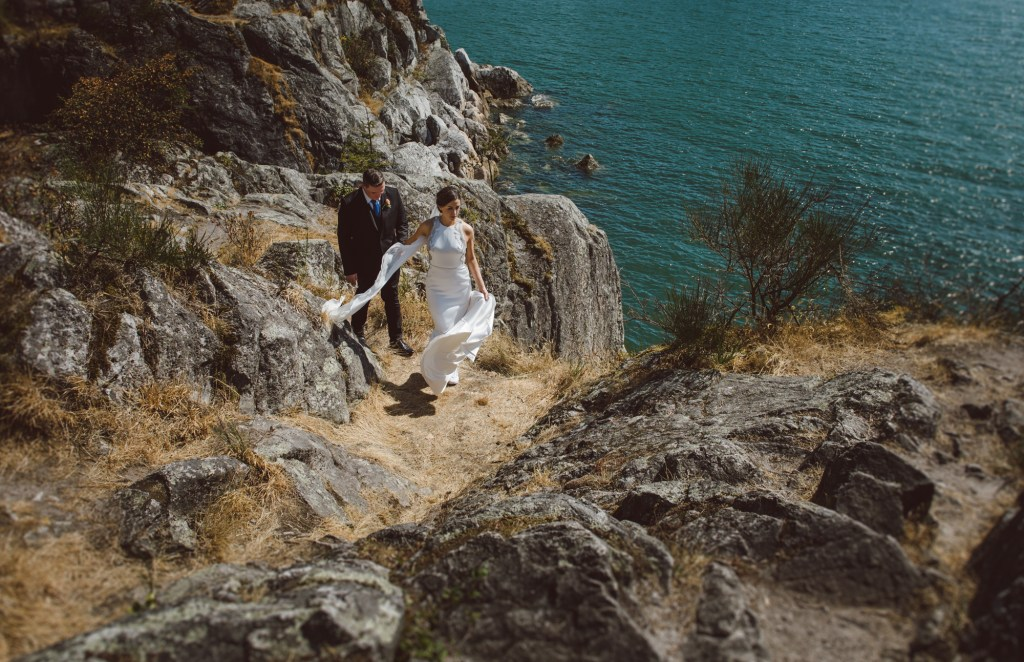 Vancouver-Wedding-Photography-Cliffs-TimSarah