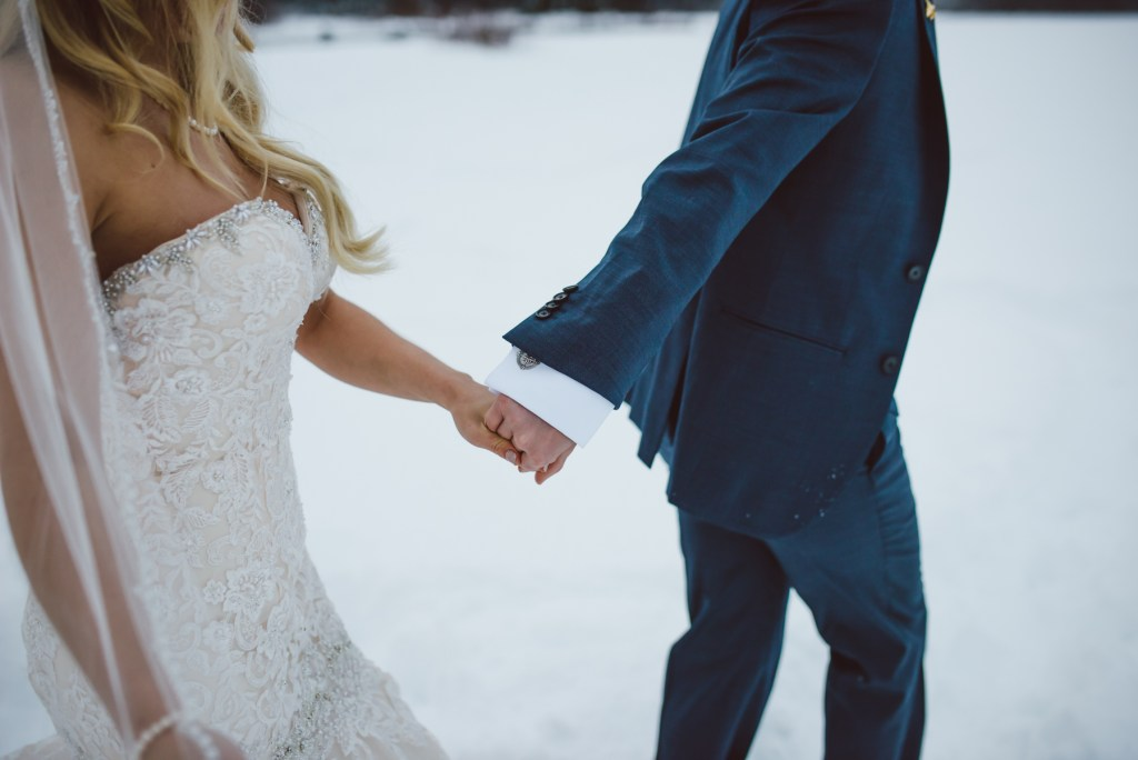 whistler-wedding-photography-detail-walking_LS