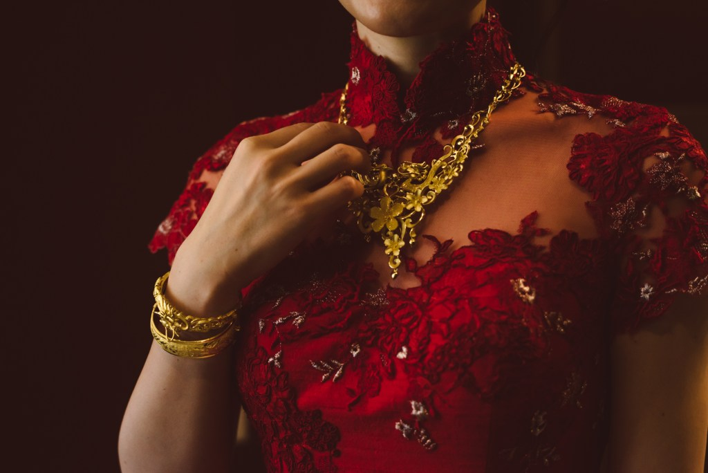 whistler-wedding-photography-gold-red_LS