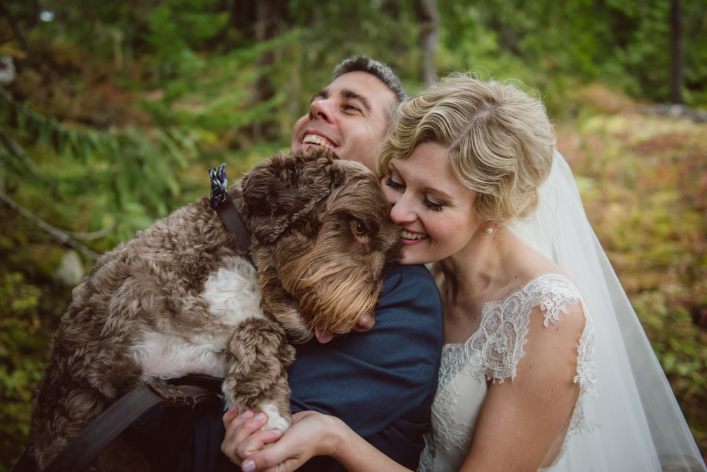 whistler-wedding-photography-puppy-hug_LS