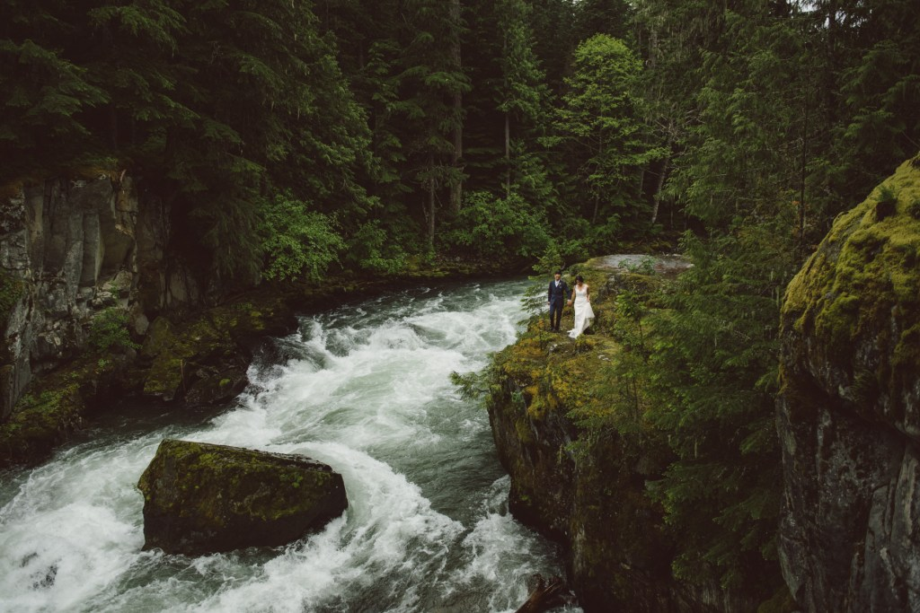 whistler-wedding-photography-river-walking_LS