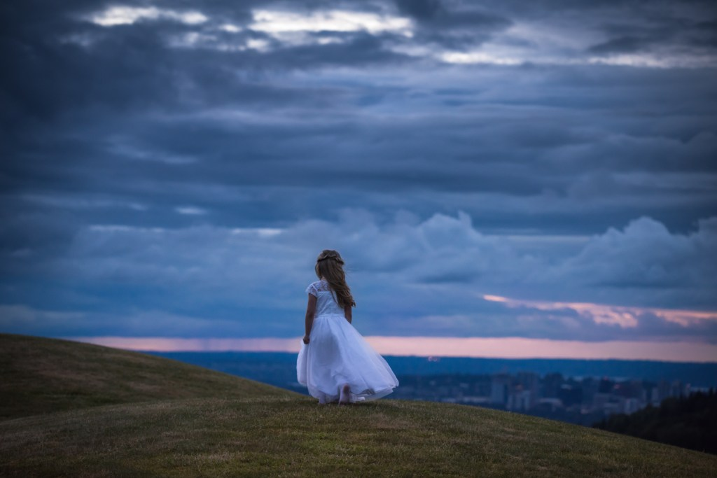 whistler-wedding-photography-sunset-girl_LS