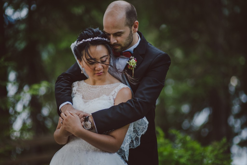 whistler-wedding-photography-wind-hold_LS