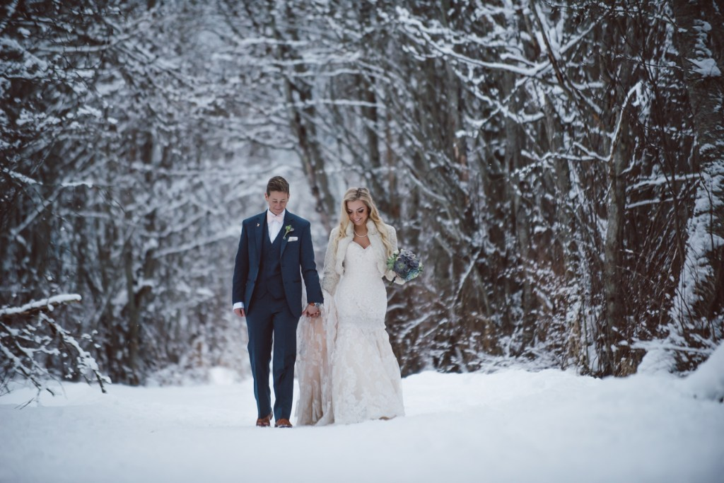 whistler-wedding-photography-winter-walk_LS