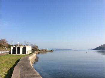 【売買】3,800万円 高松市屋島東町 目の前に海が広がる 築浅RC造平屋 駐車6、7台