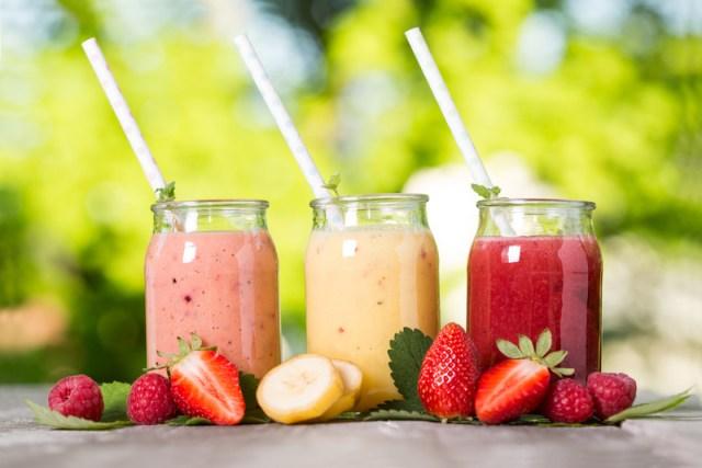 Sinh tố hoa quả cung cấp năng lượng cho cơ thể trước khi tập