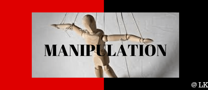 What is manipulation? 5 signs to know if you are being manipulated?