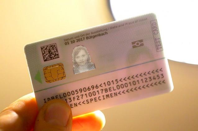 Noile buletine, emise începând cu 2 august, vor avea cipuri, amprente și imaginea facială a persoanei. Actul de identitate va costa cel puțin 15 euro și va fi eliberat, în premieră, și copiilor