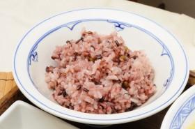 柔らかく美味しい古代米のご飯。